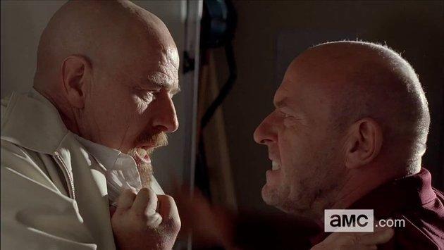 Walt y Hank conversando